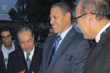 عبد السلام بيكرات والي مراكش (وسط الصورة)