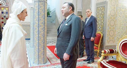 الملك محمد السادس لدى استقباله عمر هلال