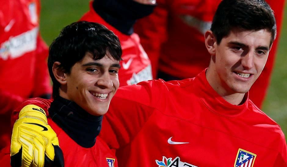 Photo of بونو يدير ظهره للوداد و يتعاقد مع فريق إسباني