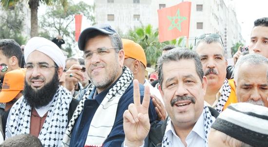 شباط إلى جانب وزير العدل مصطفى الرميد في لقاء سابق
