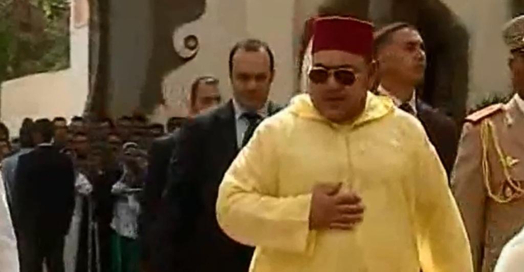 Photo of موقف غير عادي تعرض له الملك عقب أدائه صلاة الجمعة هذا الأسبوع