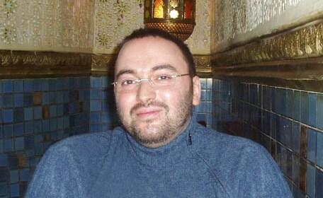 هشام المنظري الذي ادعى أنه ابن الحسن الثاني