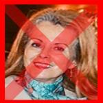 سفيرة المغرب في البيرو، أميمة عواد، وقد شطب الفايسبوكيون من مغاربة البيرو على وجهها، احتجاجا على تصرفاتها