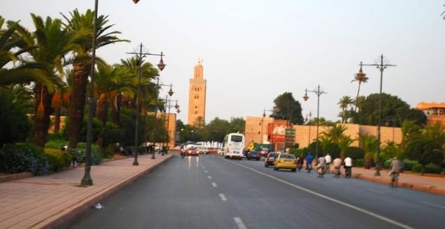 أحد شوارع المدينة الحمراء