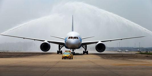 """Photo of بالفيديو.. الجزيرة تكشف حقائق خطيرة عن البوينغ 787 التي اقتنتها """"لارام"""""""
