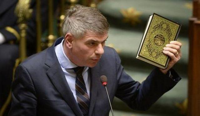 Photo of بالفيديو … برلماني بلجيكي يتطاول على القرآن