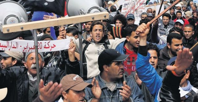 صورة من الماضي القريب جدا: شباب حركة 20 فبراير كانوا يطالبون بالتغيير لكنهم لم يصلوا إلى البرلمان
