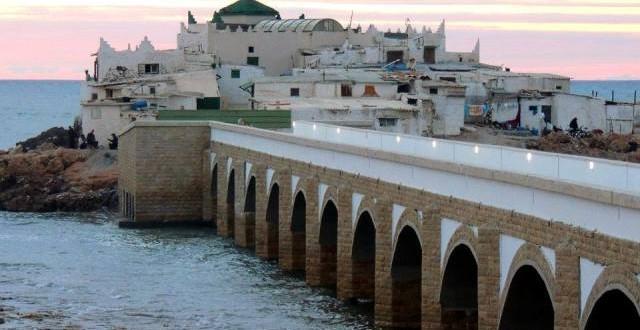 ضريح سيدي عبد الرحمن الذي أهدى الملك الحسن الثاني موقعه لأحد مستشاريه