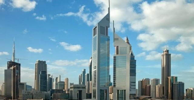 الخليجيون صراعهم وسباقهم وتباهيهم بارتفاع ناطحات السماء.