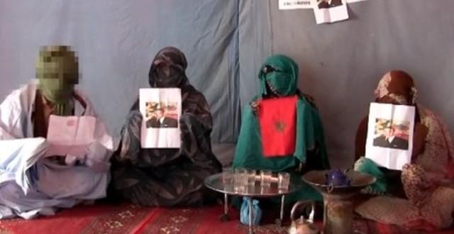 """حركة """"شباب كفاية"""" تطالب بالحكم الذاتي من تندوف وصور الملك والعلم المغربي تغزو المخيمات"""