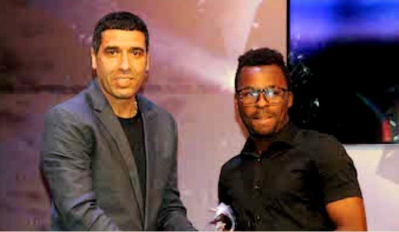 النيبت يقدم جائزة أحسن لاعب أجنبي للودادي بكاري كوني