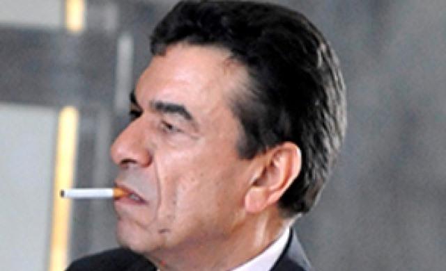 صورة الوفا يدخن