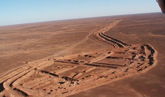 الجدار الأمني في الصحراء