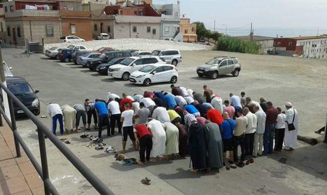إغلاق المساجد في وجه المصلين ووزير الأوقاف