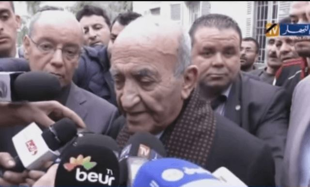 Photo of بالفيديو… اليوسفي يختار الجزائر من أجل الحديث للصحافة