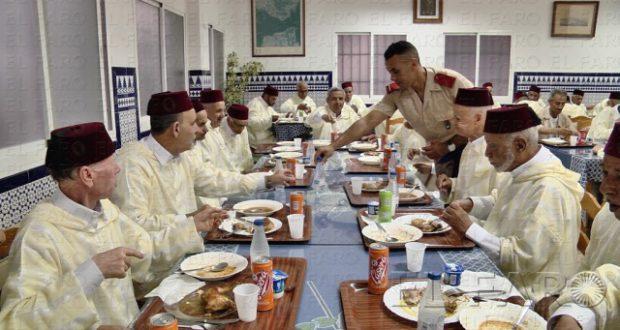 الجيش الإسباني بسبتة ينظم مائدة إفطار على شرف المحاربين 1