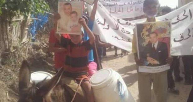 ساكنة تازروت بآيت سغروشن تجبر السلطات المحلية