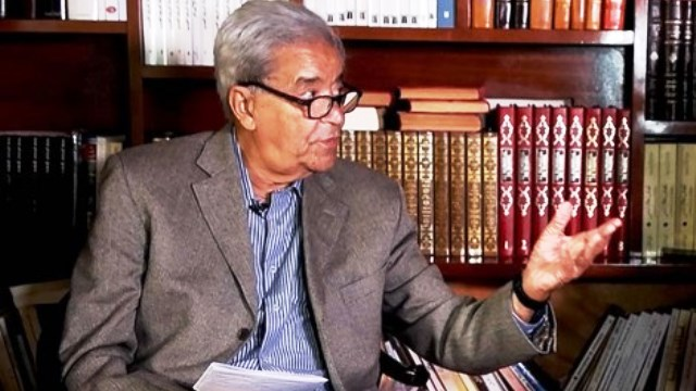 Photo of دوتشيه فيله : وفاة شيخ الصحافة المغربية مصطفى العلوي عن 83 عاما