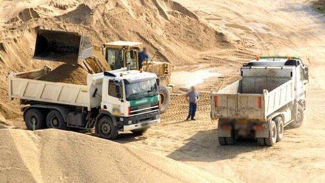 Photo of اشتوكة أيت باها | لوبيات تكثف الاستغلال غير المشروع لمقالع الرمال