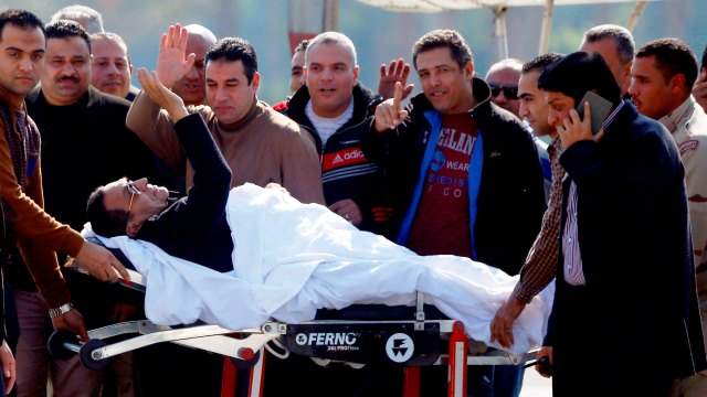 Photo of خاص | قصة الرئيس حسني مبارك والملك الحسن الثاني وحلاق بوتفليقة مع الصحافي مصطفى العلوي