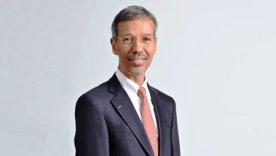 Photo of المواقع المغربية تحتفي بوصول مغربي إلى قيادة أكبر شركة للهاتف النقال في العالم