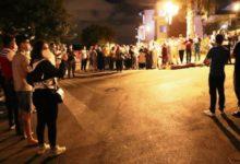 Photo of الأطباء والممرضون يحتجون بعد طردهم ليلا من الفنادق بطنجة